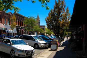 Ellensburg-carsdowntown.jpg